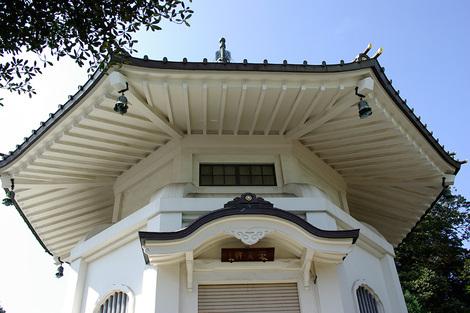 Goutokuji_Oct2008091m