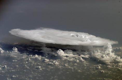 Cumulonimbus_cloud_from_space